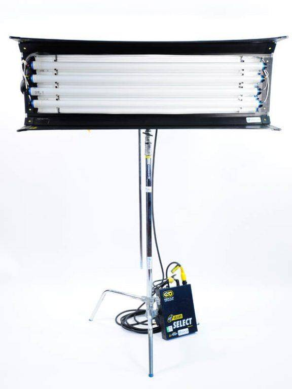Location éclairages Kino Flo Montréal 4banks 4x4 Divalite LED HMI Litepanels Arri Fresnel – Les meilleurs prix à Montréal Ent. Vidéo Service 514-593-7925